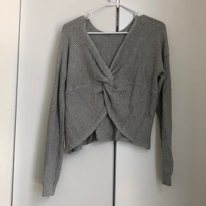 Reversible knot sweater